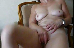الزوج يمارس الجنس مع زوجته في تنزيل سكس اجنبي نار كس وبين الثدي.