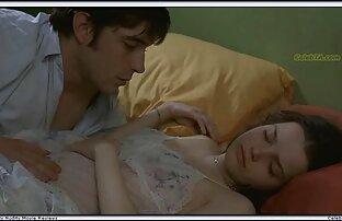 الرجل الملاعين فتاة مقاطع سكس اجنبي تحميل ذات الشعر البني ، صفيق في ذوي الياقات البيضاء.