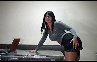 عارضة سكس تحميل اجنبي يحصل مارس الجنس في الحمار.